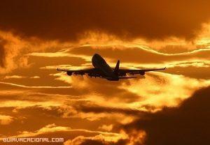 Cómo pasar el tiempo en un largo viaje de avión